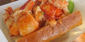 sam'schowdermobile lobster roll