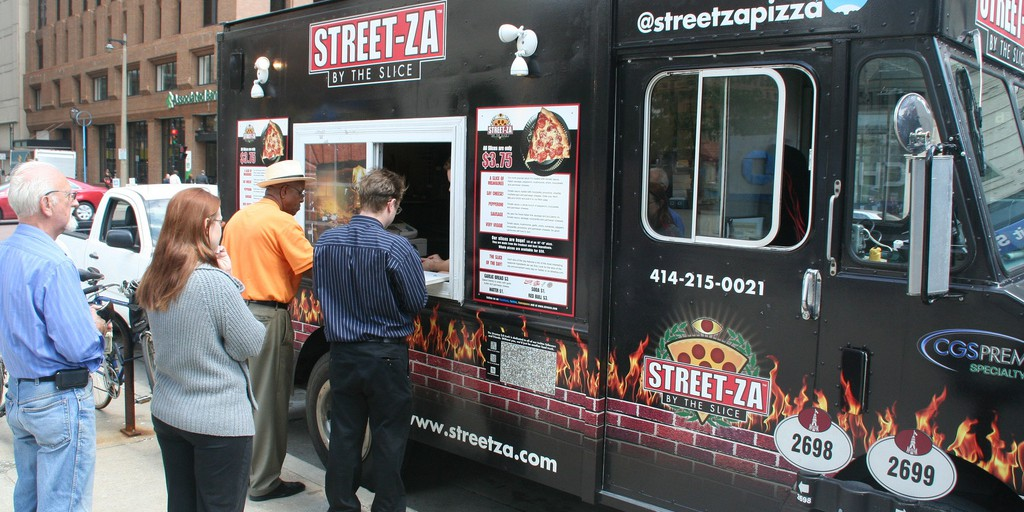 streetza pizza milwaukee customer line